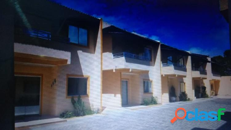 casa de 3 quartos em condomínio fechado em pitangueiras