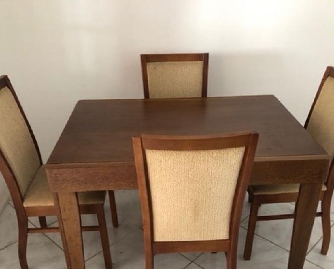 Mesa de jantar extensível com 4 cadeiras