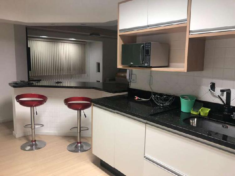 Apartamento com 3 quartos e 2 vagas de garagem no Centro -