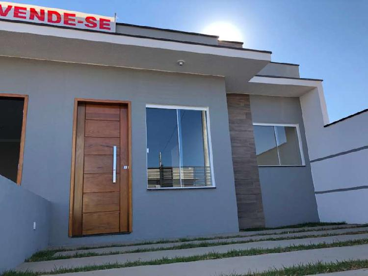 Casa para venda possui 80 metros quadrados com 2 quartos