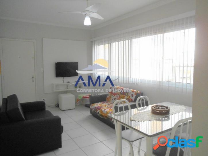 2 dormitórios no calçadão da Pitangueiras Guarujá
