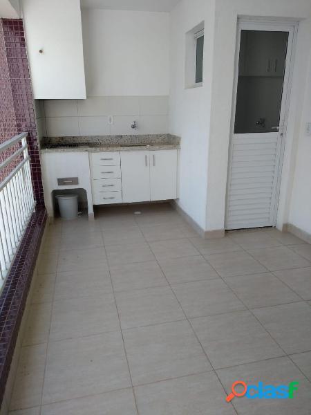 Apartamento com 2 dormitórios e varanda gourmet no Jd