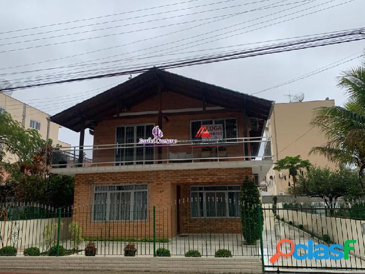 Casa 3 dormitórios sendo 2 suítes|Centro, Itapema/SC