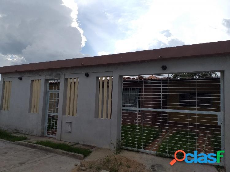 Venta de Casa Remodelada en San Joaquin Conjunto Privado