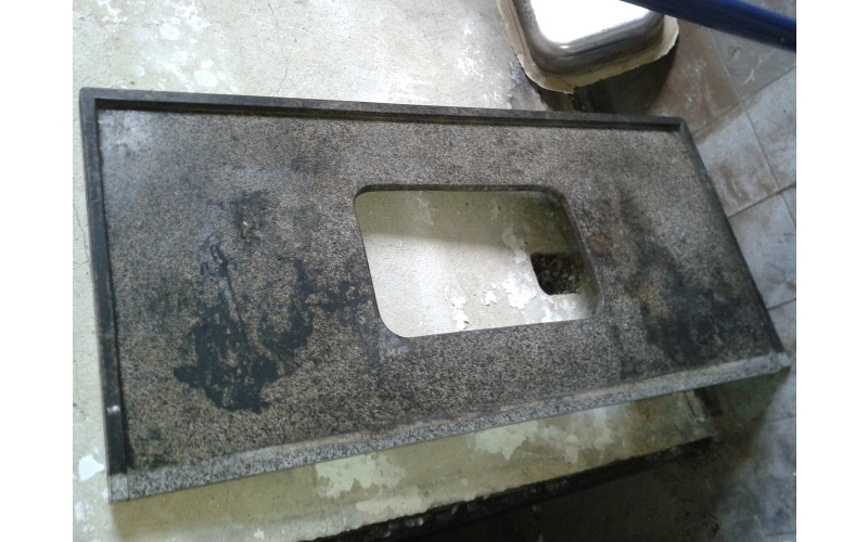 Pedra de pia em mármore usada