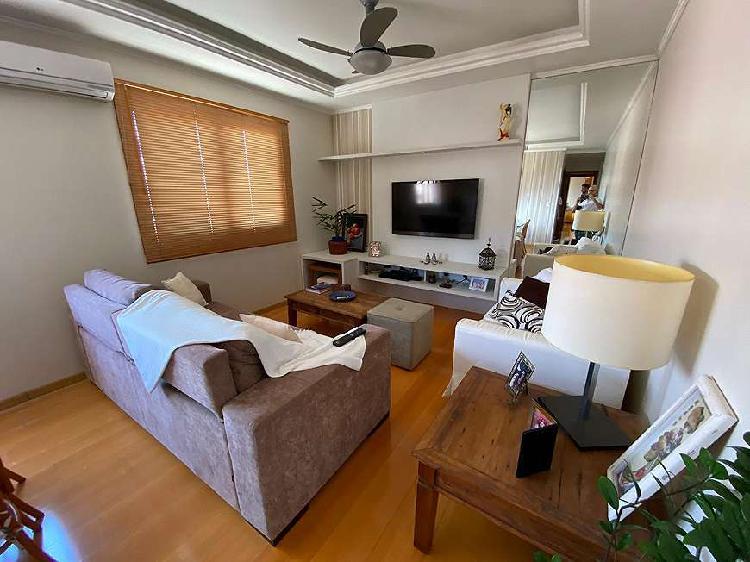 Amplo apartamento bem iluminado no Jardim Planalto com 103