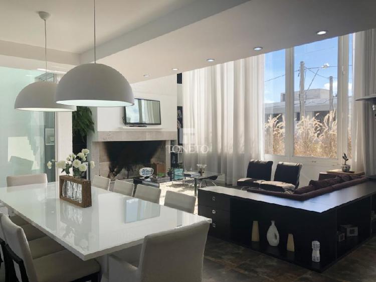 Casa em condomínio à venda no Tomazetti - Santa Maria, RS.