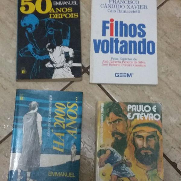 lote com 4 livros de Chico Xavier