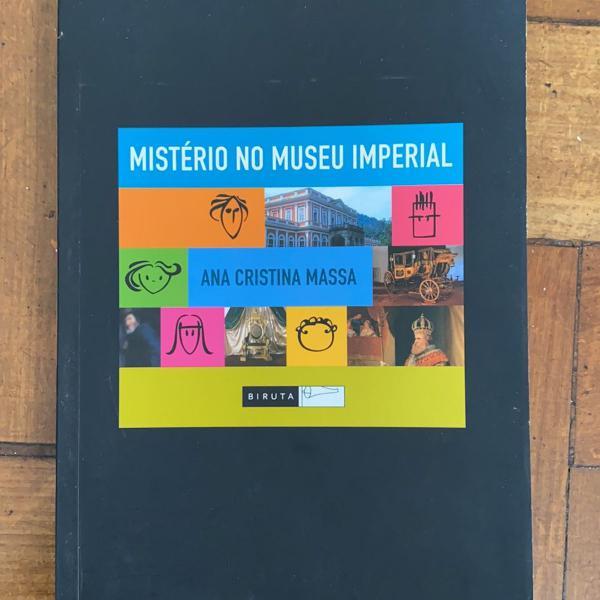 mistério no museu imperial da série os incríveis