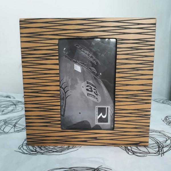 porta retrato baú de madeira