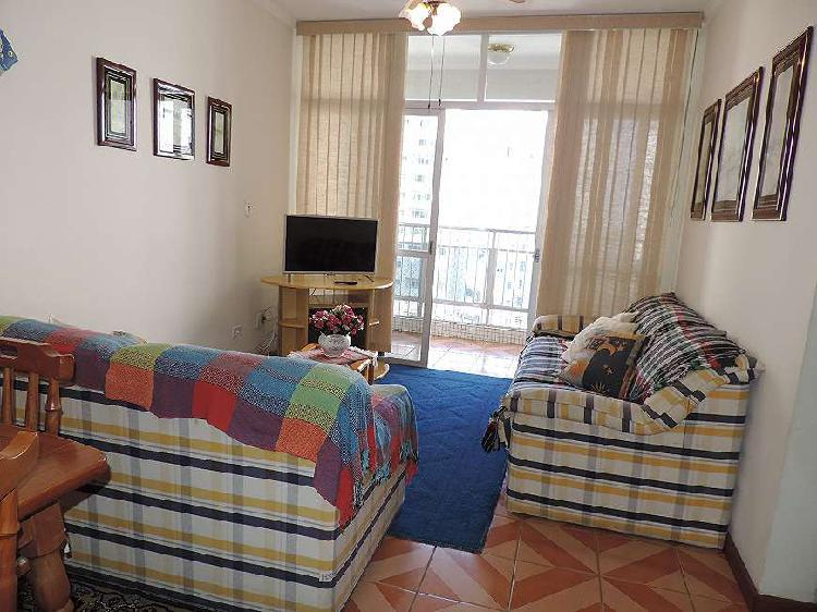 Apartamento com 2 dormitórios, vista mar em Pitangueiras/