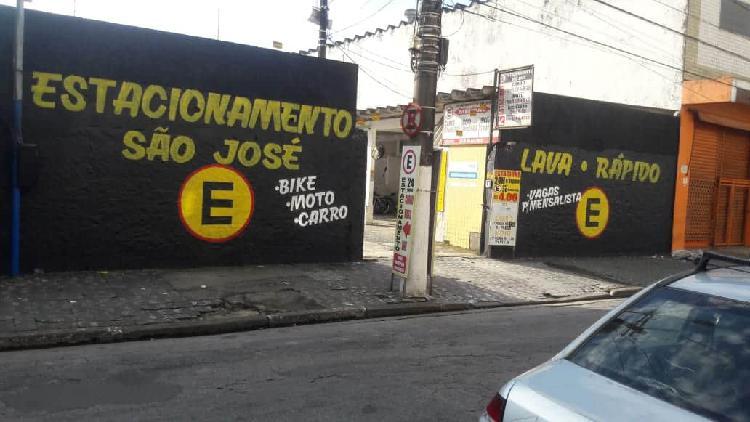 Estacionamento no Centro de São Vicente deixa 6 mil de