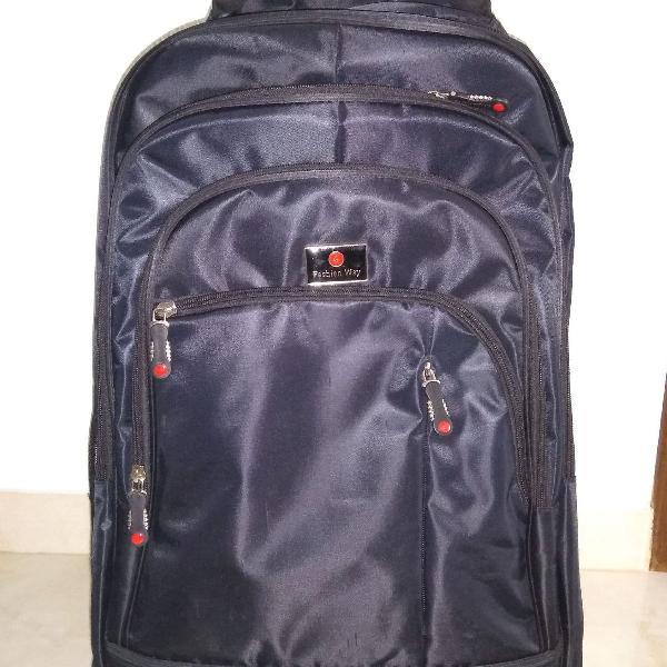 Mala viagem/ mochila preta com rodinhas 360 removíveis