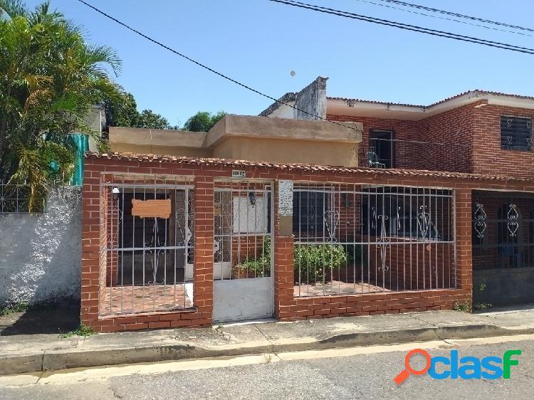 187 Metros Venta de Casa en Sector Agua Blanca Calle 128
