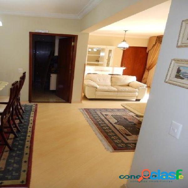 Apartamento de 129 m², 3 dormitórios c/ 1 suíte e 3 vagas