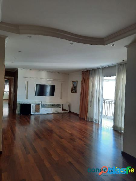 Apartamento de 180 m², 4 dormitórios c/ 3 suítes e 3