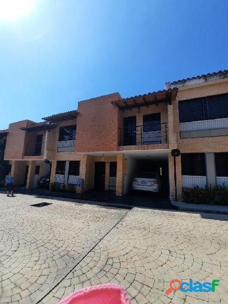 En venta Bellísimo y cómodo Town House en Monte Líbano