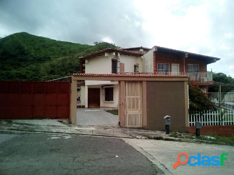 Espectacular Casa en Venta Urb. Carialinda Naguanagua