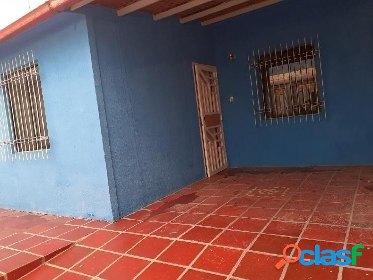 Hermosa casa en venta en san joaquin Urbanización altamira