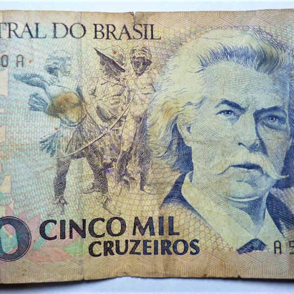 cédula de cinco mil cruzeiros brasileiro