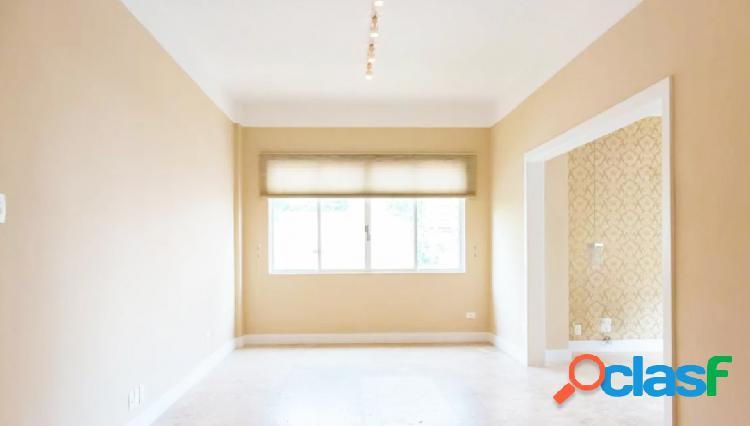 Apartamento totalmente reformado à venda na Al Tietê