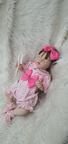 Bebê Reborn siliconada realista com enxoval luxo Pronta