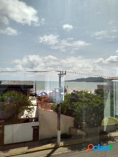 Apartamento diferenciado com vista para o mar