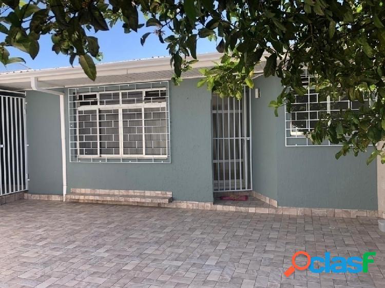 Casa com excelente localização, próxima ao Parque Barigui
