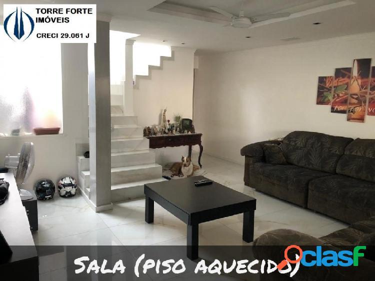 Uma linda casa com 2 dormitórios, suite e 2 vagas na Vila