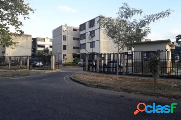 Venta Bello Apartamento remodelado en Monteserino San Diego.
