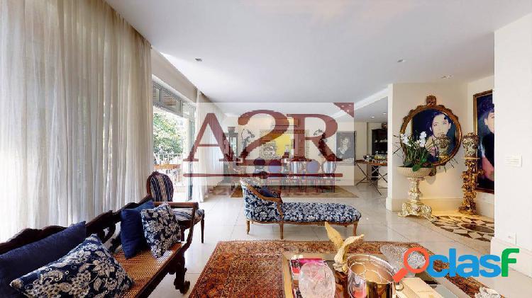Apartamento com 3 dormitórios à venda, 148 m² por R$