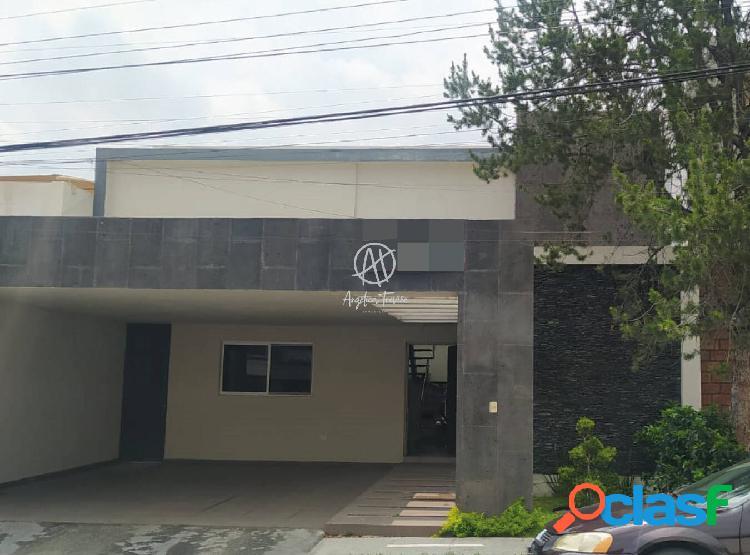 Casa Remodelada en Venta en Colonia Del Valle San Pedro
