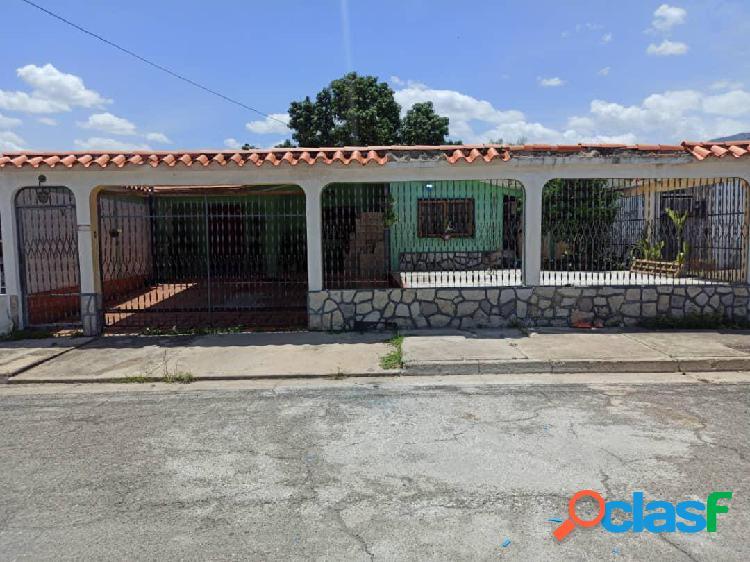 Casa en venta en san Joaquin urbanización villas del centro