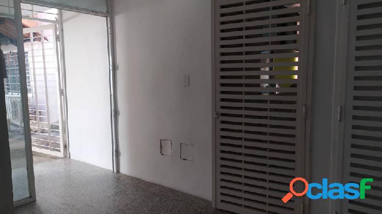 85 M2 Venta De Apartamento La Abadía San Diego, Planta Baja