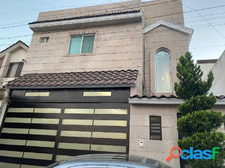 Casa en Venta en Cumbres 5to Sector