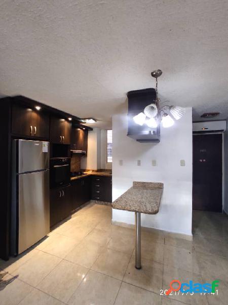 En venta apartamento en Res. El Tulipán - San Diego