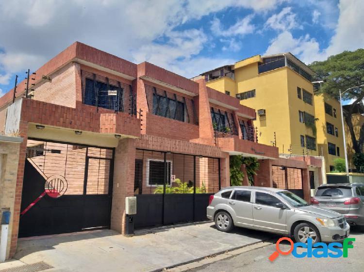 (250 Mts2) Townhouse en Venta en La Urbanización Prebo
