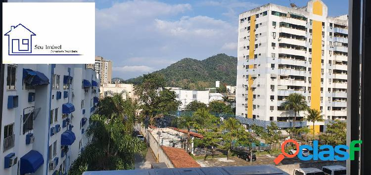 Lindo apartamento todo reformado- Estrada dos Bandeirantes /