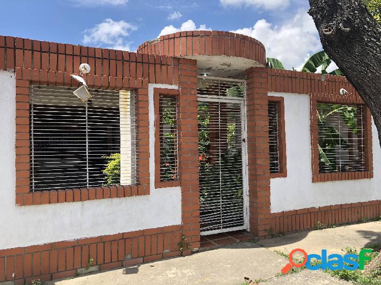 392 M2 Venta de Casa en Ciudad Alianza