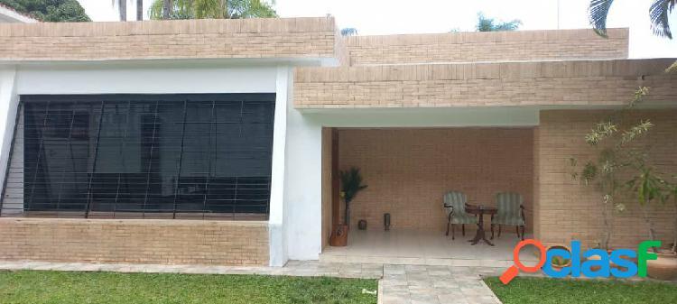 Bella, Amplia y Cómoda Casa en Venta en Urb. Guaparo,