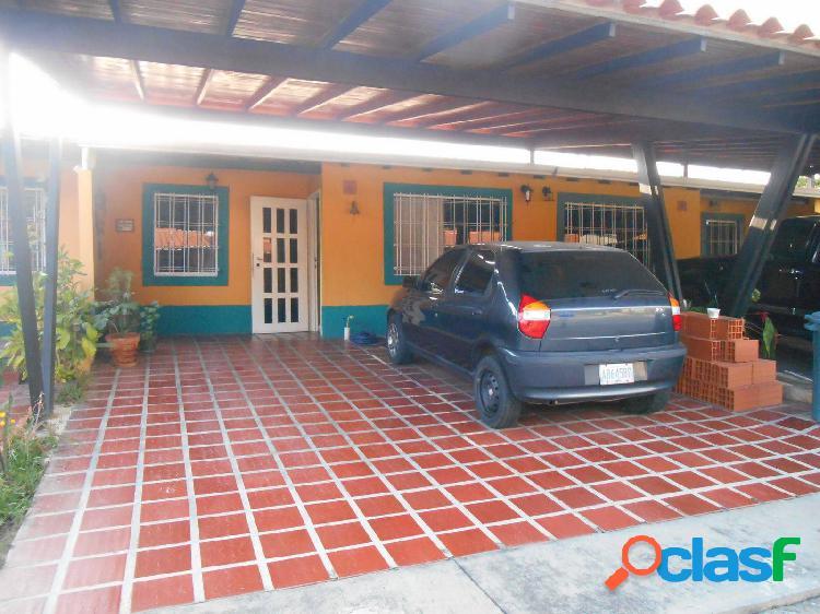 En venta casa en San Diego Valle de Oro