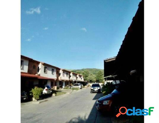 EN VENTA TOWN HOUSE MUNICIPIO SAN DIEGO