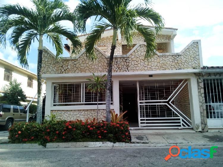 Bella Casa En Venta En Urbanización Las Quintas De
