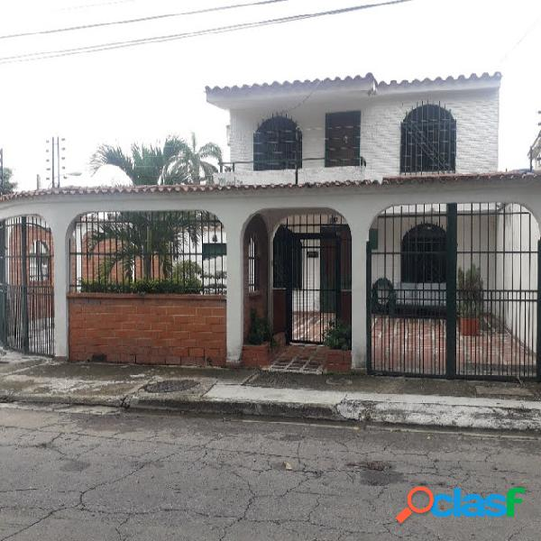 Hermosa Casa En Urb. El Pinar Naguanagua