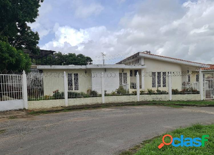 Casa en Venta en Lomas del Este.