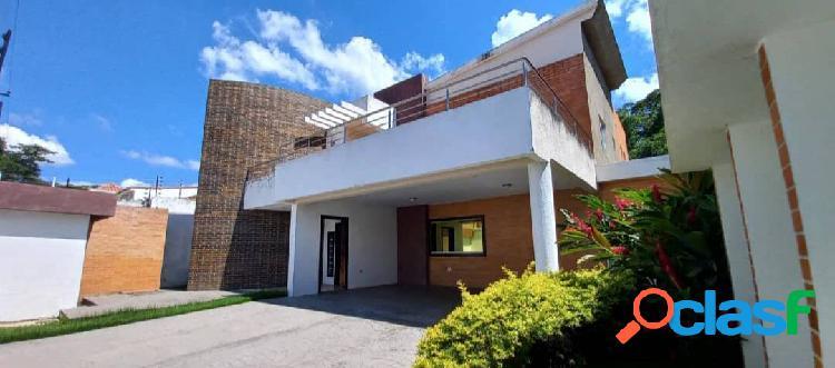 En venta casa en Chalet Country I San Diego